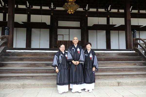 Charlene Kihara (Hawaii Betsuin), Kerry Kiyohara (Moiliili Hongwanji), and Barbara Brennan (Hawaii Betsuin) in robes