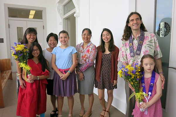 Dharma School group at the Queen Liliuokalani Tribute Service (R. Tokumi)