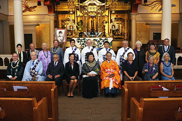 Group photo, Queen Liliuokalani Tribute service, honored guests with ministers